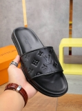 2020.06 Super Max Perfect LV Men And Women Slippers - WX (62)
